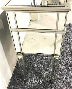 (C&C) Mirrored Dressing Table With Five Drawers