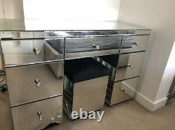MIRRORED 7 DRAWER DRESSING TABLE VANITY Damage To One Drawer And Pedestal