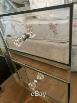 Mirrored Glass Dressing Table Set Immaculate Condition Pickup ONLY