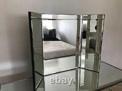 Modern Dressing Table Bedroom Vanity Set Makeup Desk With Mirror with 6 Drawers