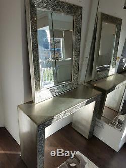 Coiffeuse Et Miroir Dans Le Miroir D'argent Et Concassé De Lee Longlands Rrp £ 649