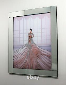 Dame De Cadre De Miroir Dans La Robe Avec Le Mur En Verre Liquide De Scintillement Art 95x75cm