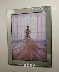 Dame En Robe Rose Fluo Sur Cadre Miroir Superbe Verre Art Glitter Photo