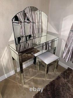 Ensemble De Dressing En Miroir Et 2x Tables De Chevet En Miroir