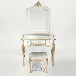 L'ensemble De La Table De Toilette Avec Miroir Argente Inc Miroir Et Tabouret