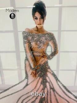 Lady Stupéfiante En Rose Image De Robe Fluide Dans Cadre Miroir, Image D'art Glitter