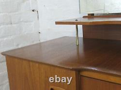 MID 20th Century Teck Deux Tiroirs Table De Dressing Avec Miroir, Étagère Et Armoires