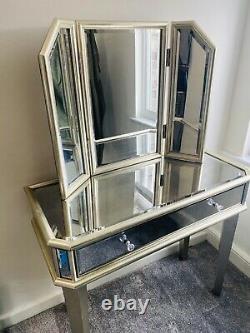 Table D'habillage Miroir Suivante