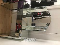 Table D'habillage Suivante Réglée Avec Miroir Très Bon État