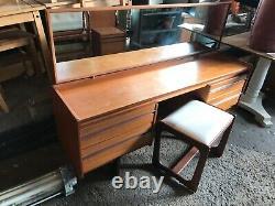 Table De Vinaigrette Vintage De Mi-siècle Avec Miroir En Verre